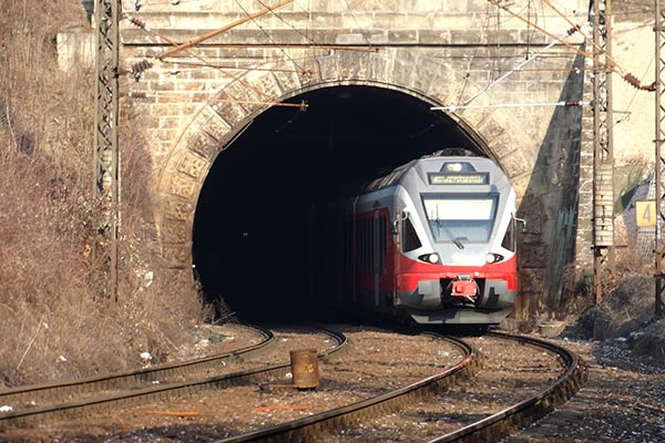 Distributed Power Communication Systems from Tunnel Radio
